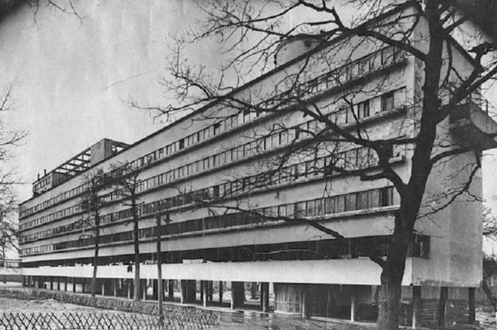 Narkomfin building, 1930.